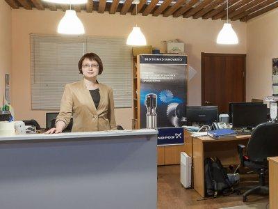 В приемной сервисного центра нас встречает администратор. Здесь происходит приемка оборудования для осуществления диагностики, оформляется Акт приема-передачи.